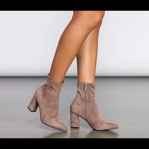STRIDE IN FAUX SUEDE BOOTIES 6.5